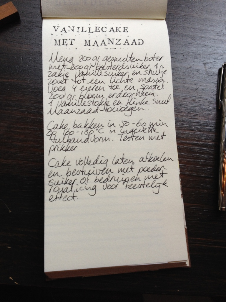 Vanillecake met maanzaad recept | door HvanHeleen